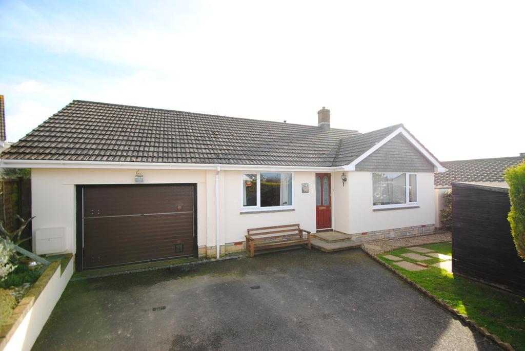 3 Bedrooms Bungalow for sale in Pathfields, Torrington