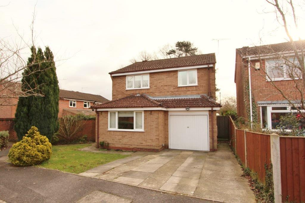 4 Bedrooms Detached House for sale in Berrywood Gardens, Hedge End SO30