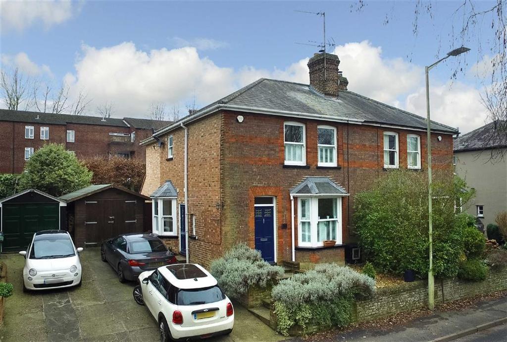 3 Bedrooms Semi Detached House for sale in Station Road, Harpenden, Hertfordshire, AL5