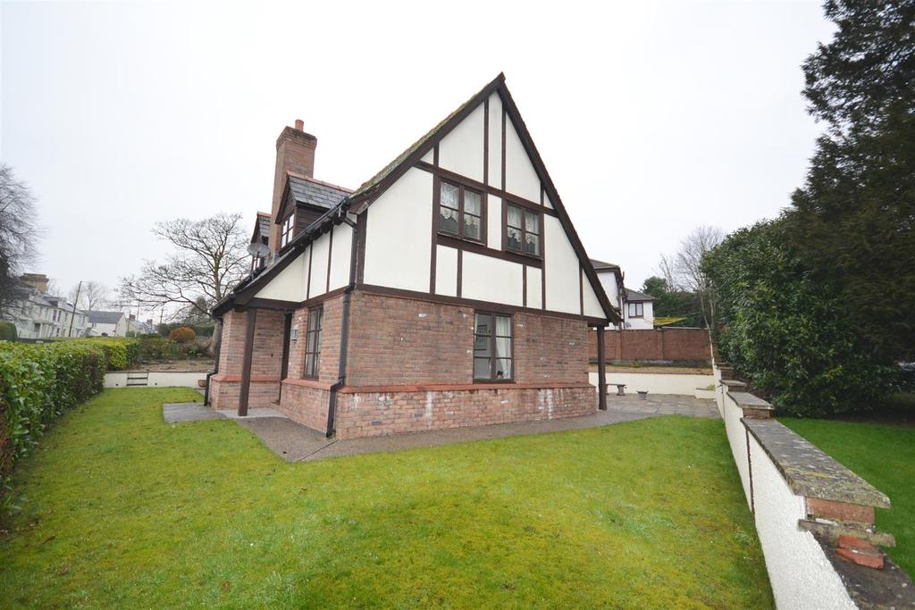 3 Bedrooms Detached House for sale in Lon Hir, Carmarthen