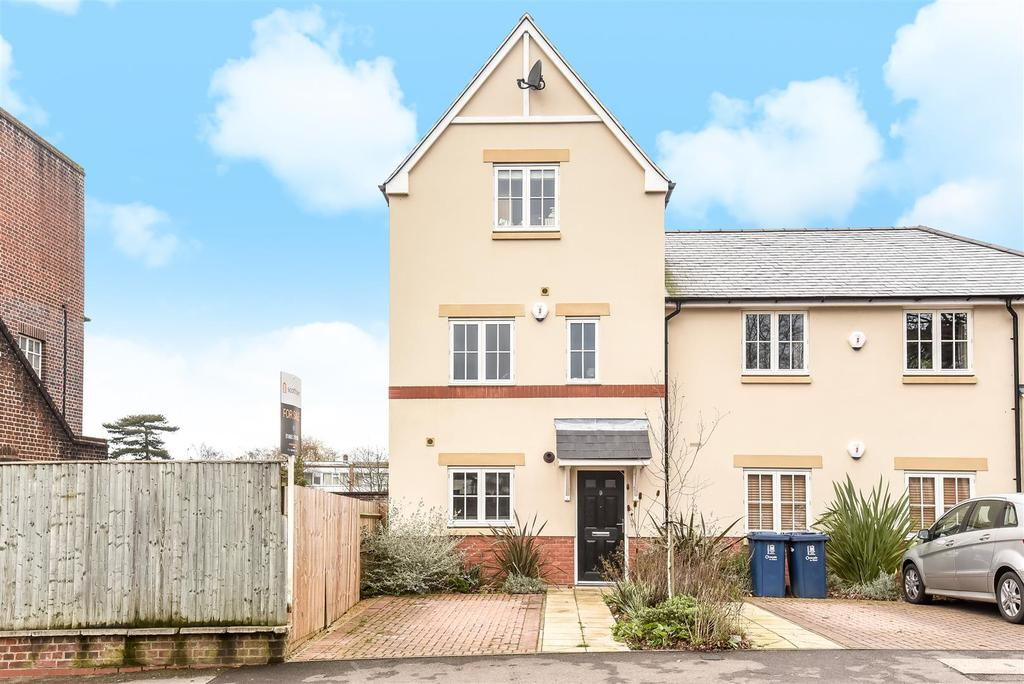 3 Bedrooms Town House for sale in Osler Road, Headington, Oxford