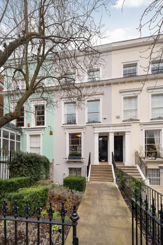 3 Bedrooms Terraced House for sale in Milborne Grove, London sw10