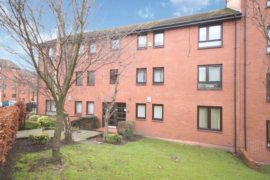 2 Bedrooms Flat for sale in Flat 6, 5 Burnhill Quadrant, Rutherglen, Glasgow, G73 1ER