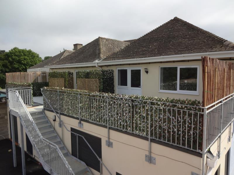 2 Bedrooms Flat for sale in 9 - 11 Burford Road, Carterton, Oxon