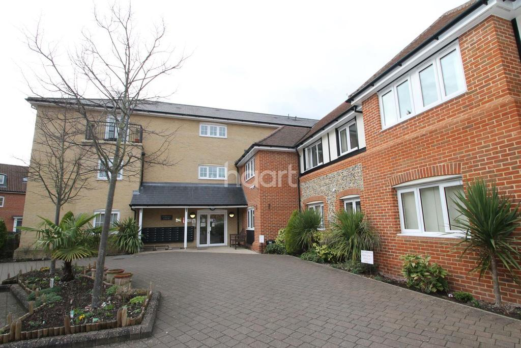 2 Bedrooms Flat for sale in Lydgate Court, Abbots Gate, Bury St Edmunds
