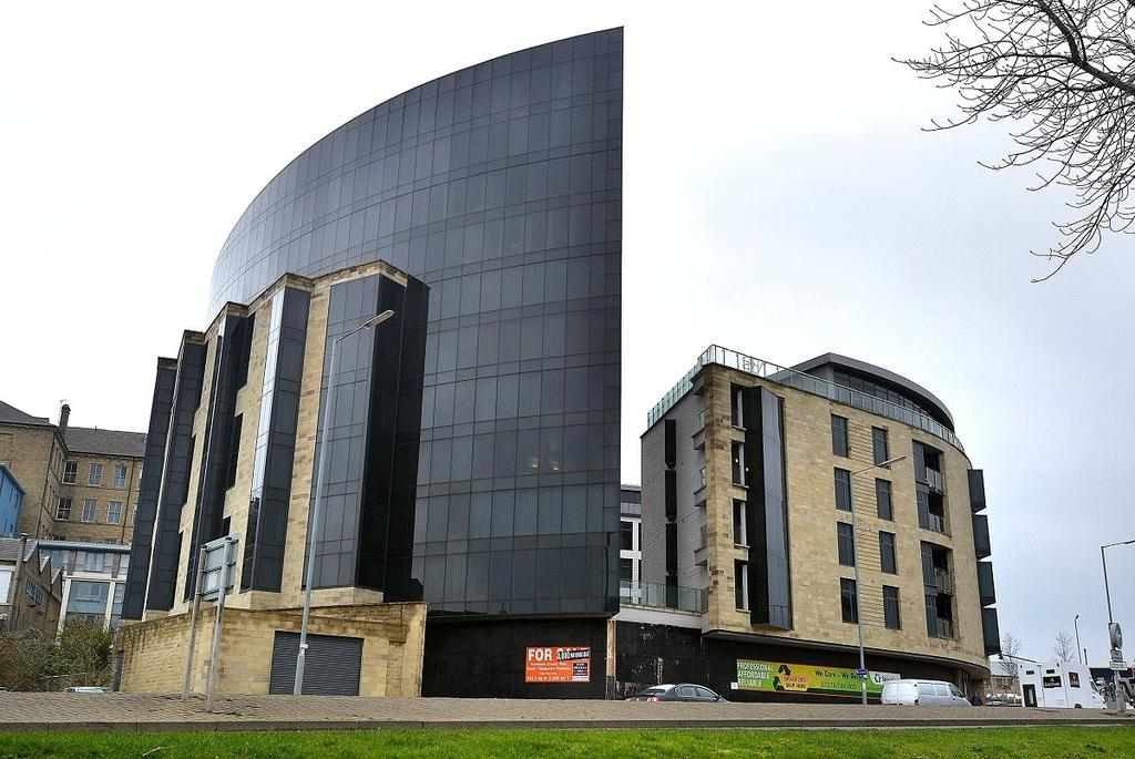 2 Bedrooms Apartment Flat for sale in The Gatehaus, Leeds Road, Bradford, West Yorkshire, BD1