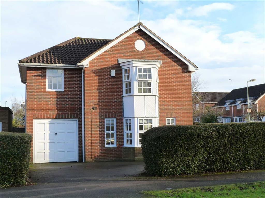 4 Bedrooms Detached House for sale in Longcroft Gardens, West Side, Welwyn Garden City