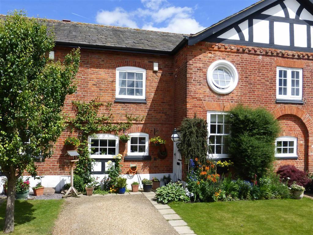 3 Bedrooms Mews House for sale in The Barns, Bostock Hall