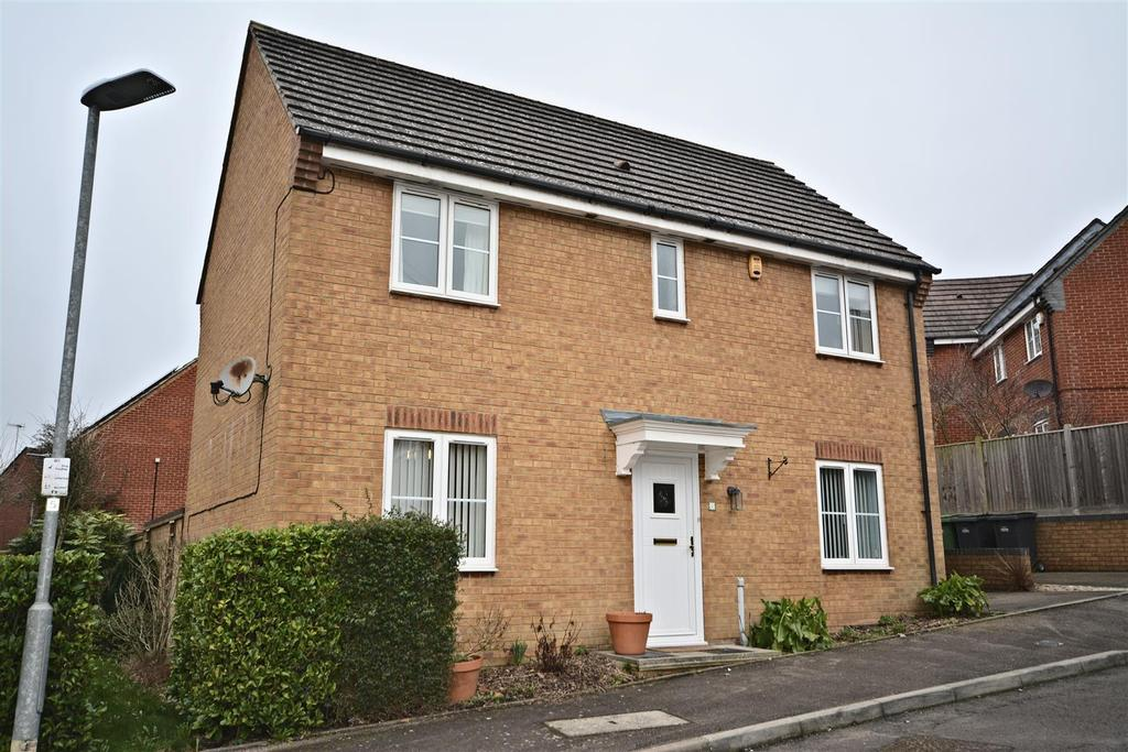 3 Bedrooms Detached House for sale in Carvel Court, St. Leonards-On-Sea