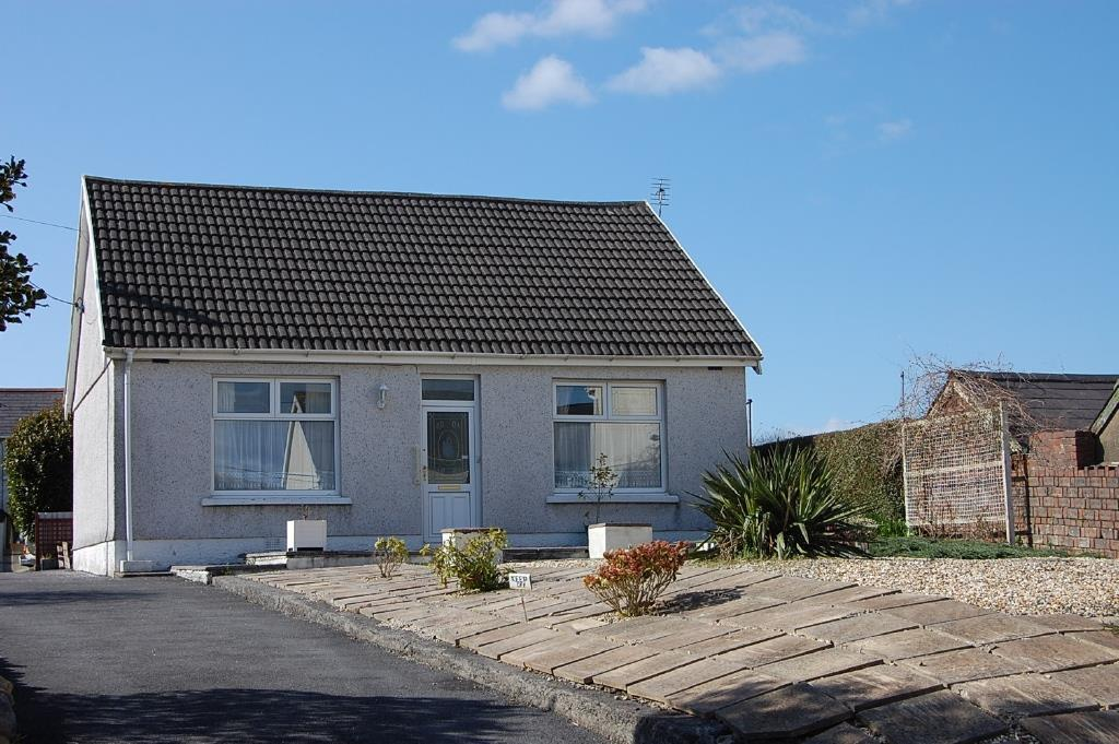 2 Bedrooms Detached Bungalow for sale in Penybanc Road, Ammanford