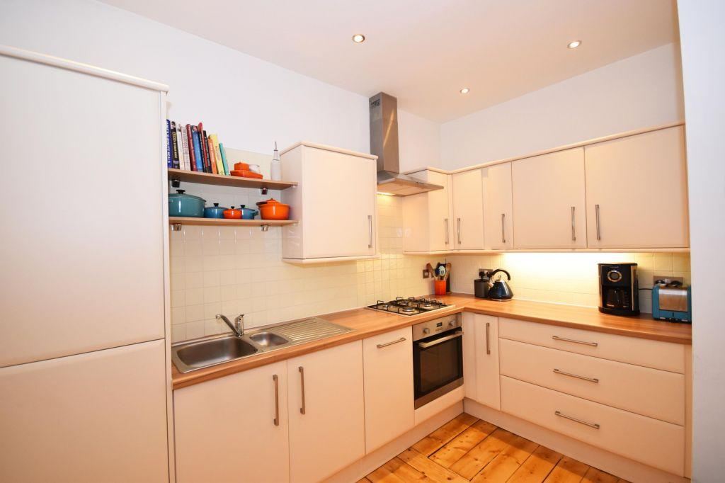 2 Bedrooms Flat for sale in 202/7 Morningside Road, Edinburgh, EH10 4QQ