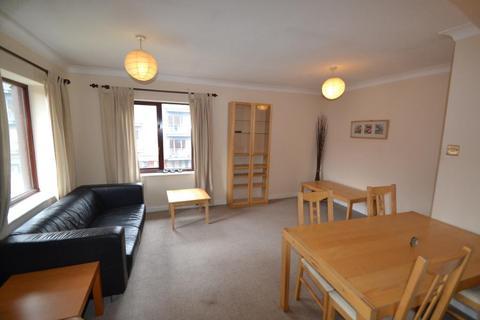 2 bedroom flat to rent - Queens Court  Bridge Street