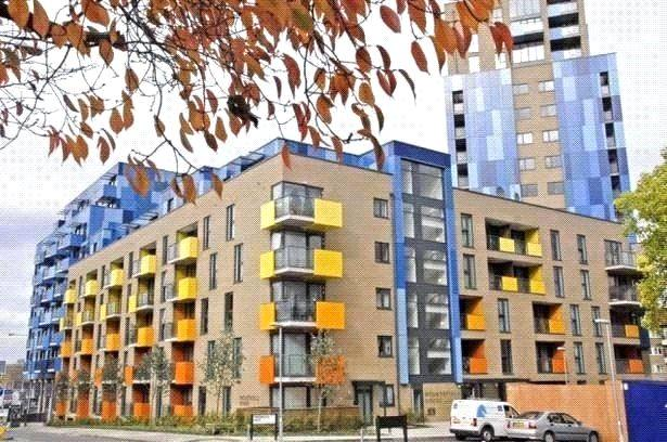 2 Bedrooms Flat for sale in Central Park, Greenwich, London, SE10