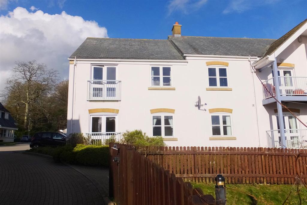 2 Bedrooms Flat for sale in Roseland Parc, Tregony