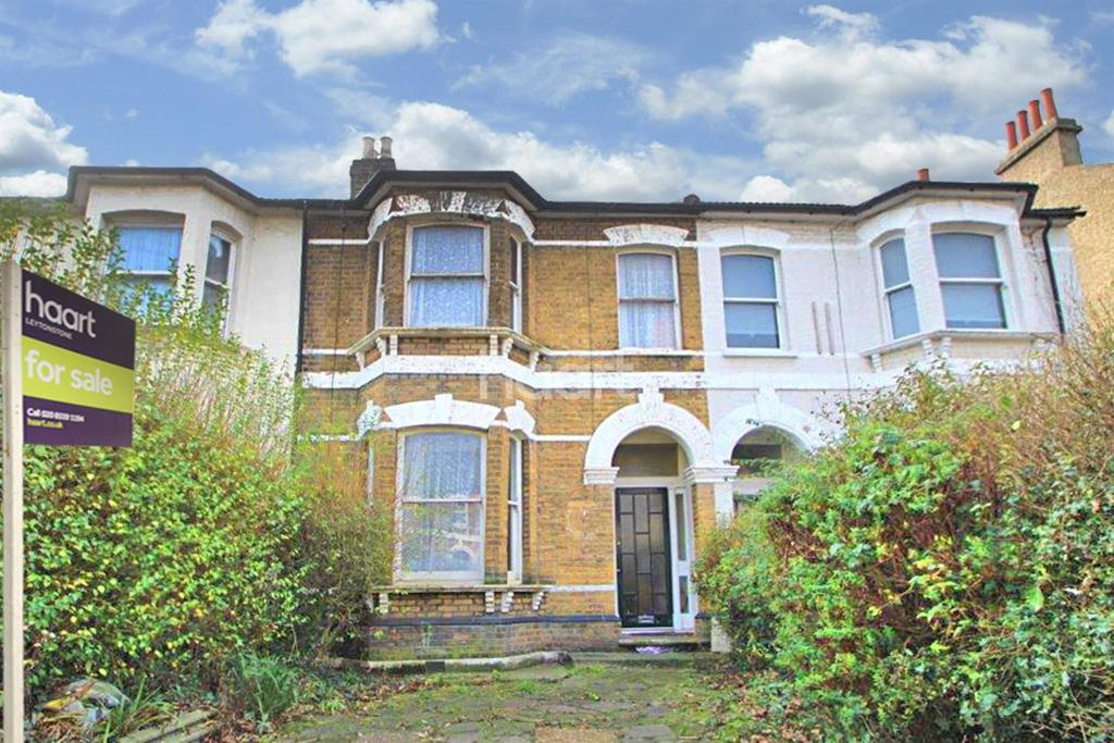 3 Bedrooms Terraced House for sale in Fairlop Road