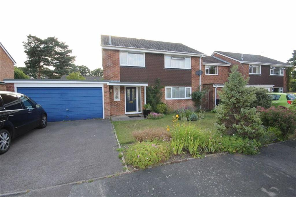 4 Bedrooms Detached House for sale in Cammel Road, Ferndown