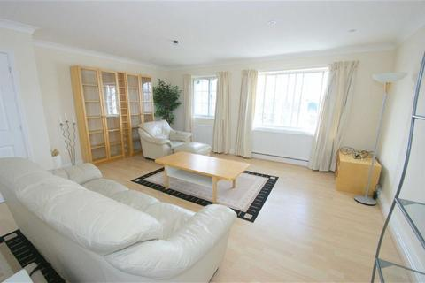 2 bedroom flat to rent - Hadleigh Court, Shadwell Lane, LS17