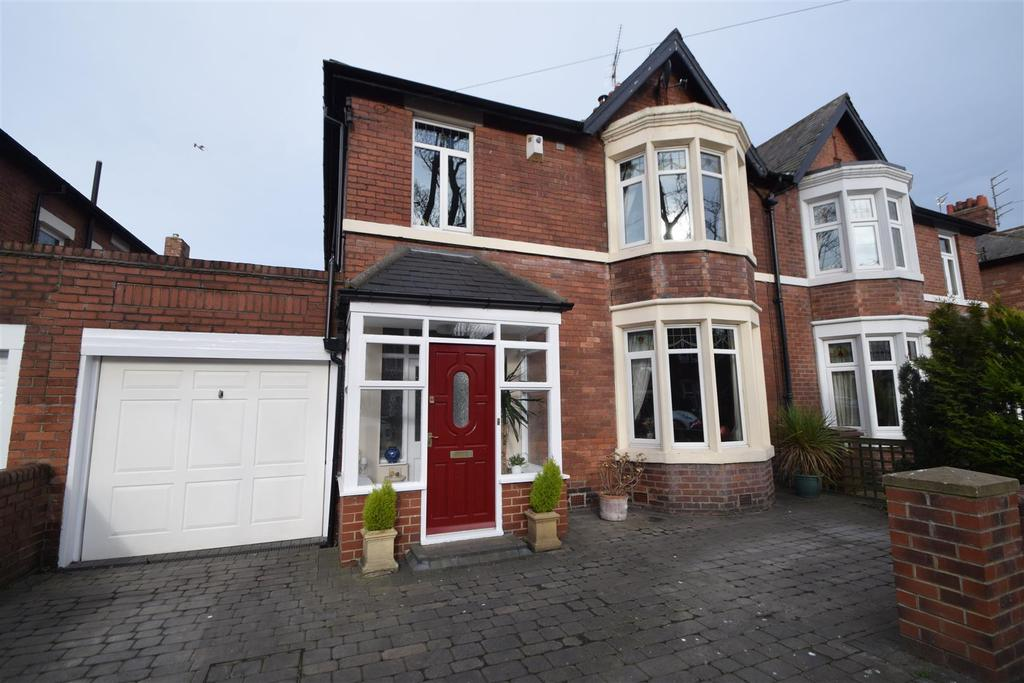 5 Bedrooms Semi Detached House for sale in Grosvenor Drive, Whitley Bay