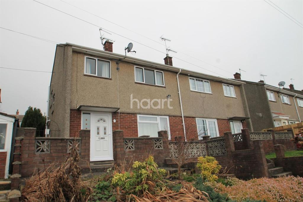 3 Bedrooms Semi Detached House for sale in Manor Way, Risca, Newport