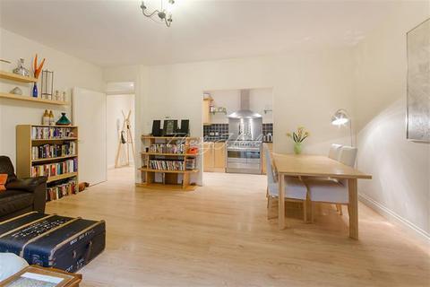 2 bedroom apartment to rent - Millennium Square, SE1