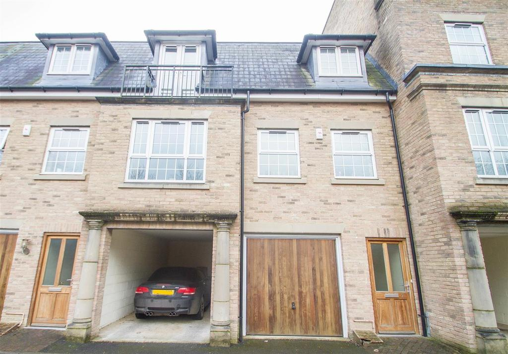 3 Bedrooms Town House for sale in The Chimes, Bearsted, Maidstone