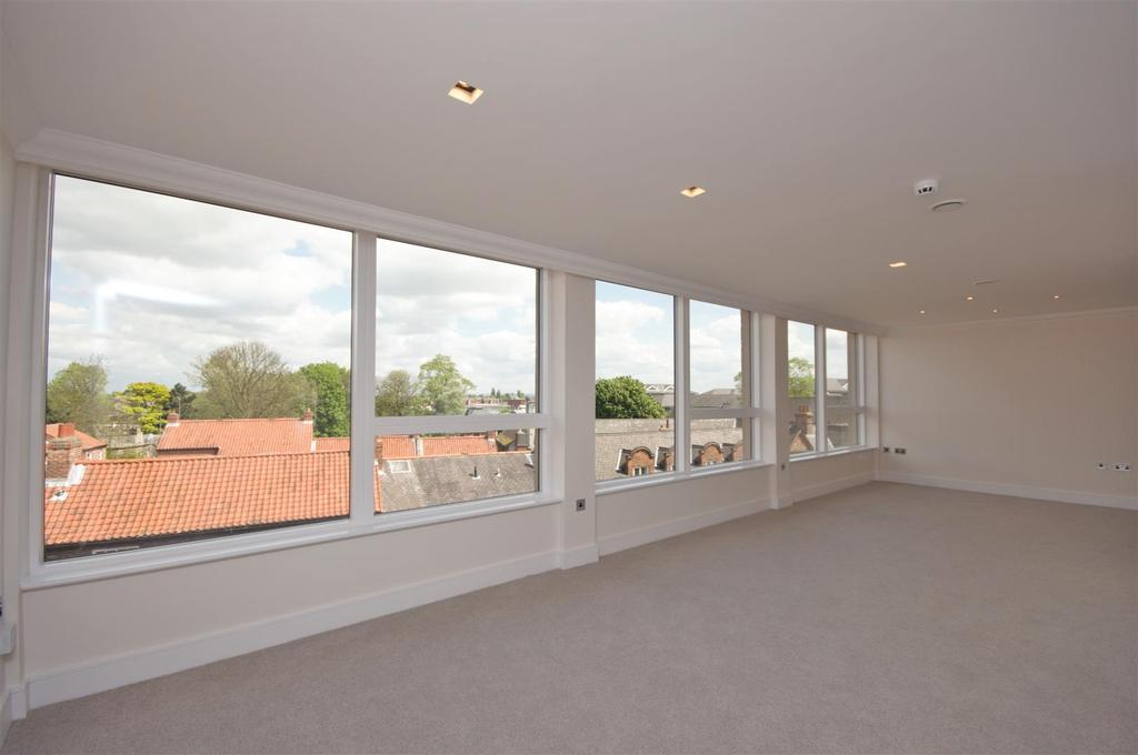 3 Bedrooms Apartment Flat for sale in Biba House, St Saviourgate, York