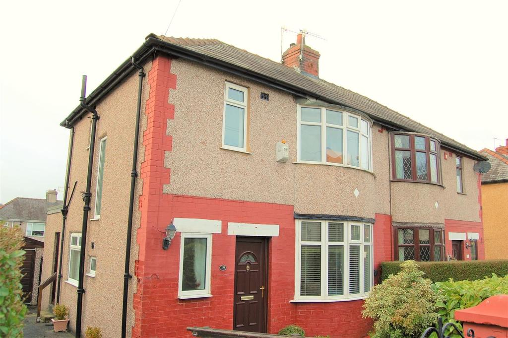 3 Bedrooms Semi Detached House for sale in Coleshill Avenue, Burnley