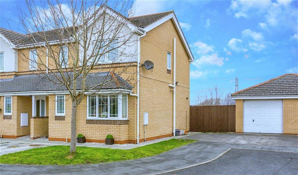 3 Bedrooms Semi Detached House for sale in St Davids Court, Connah's Quay, Deeside, Flintshire