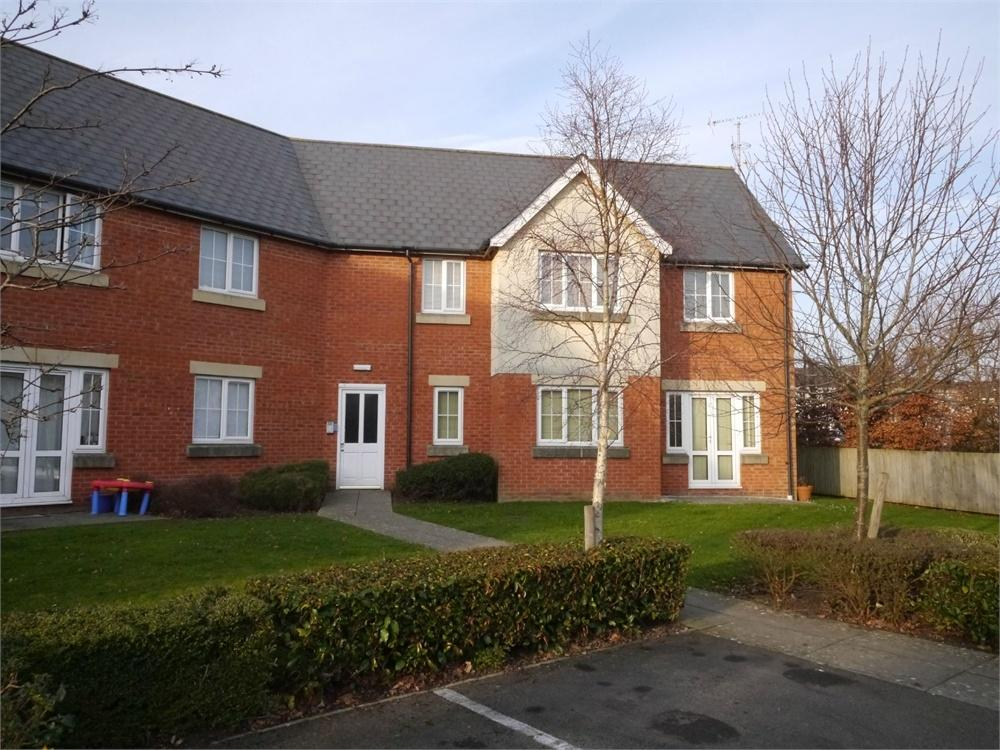 2 Bedrooms Flat for sale in Heol Tre Forys, Penarth