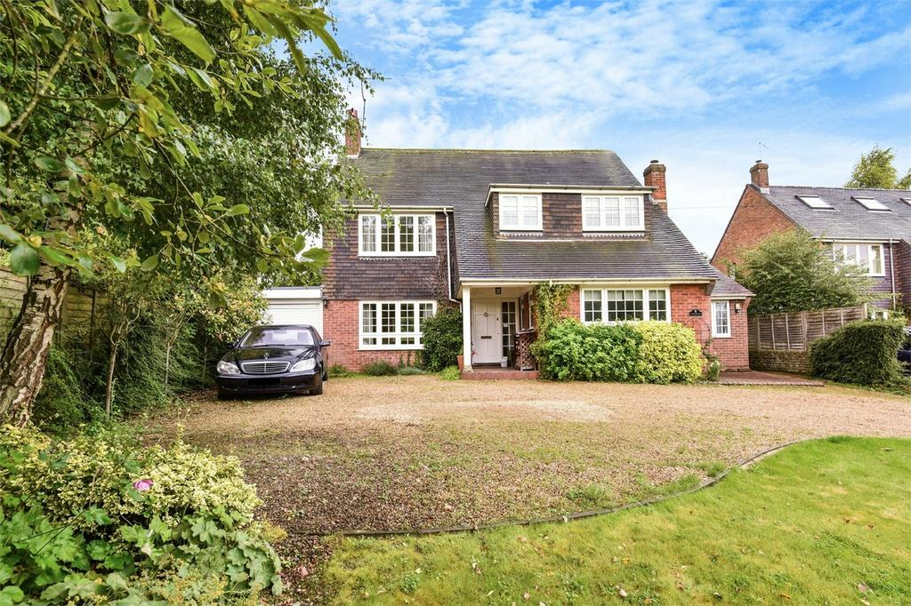 4 Bedrooms Detached House for sale in Bishop's Sutton, Hampshire