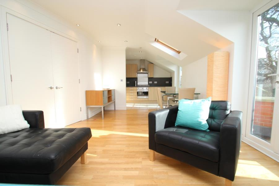 2 Bedrooms Apartment Flat for rent in THE HALL, ALLERTON HILL, CHAPEL A, LS7 3NZ