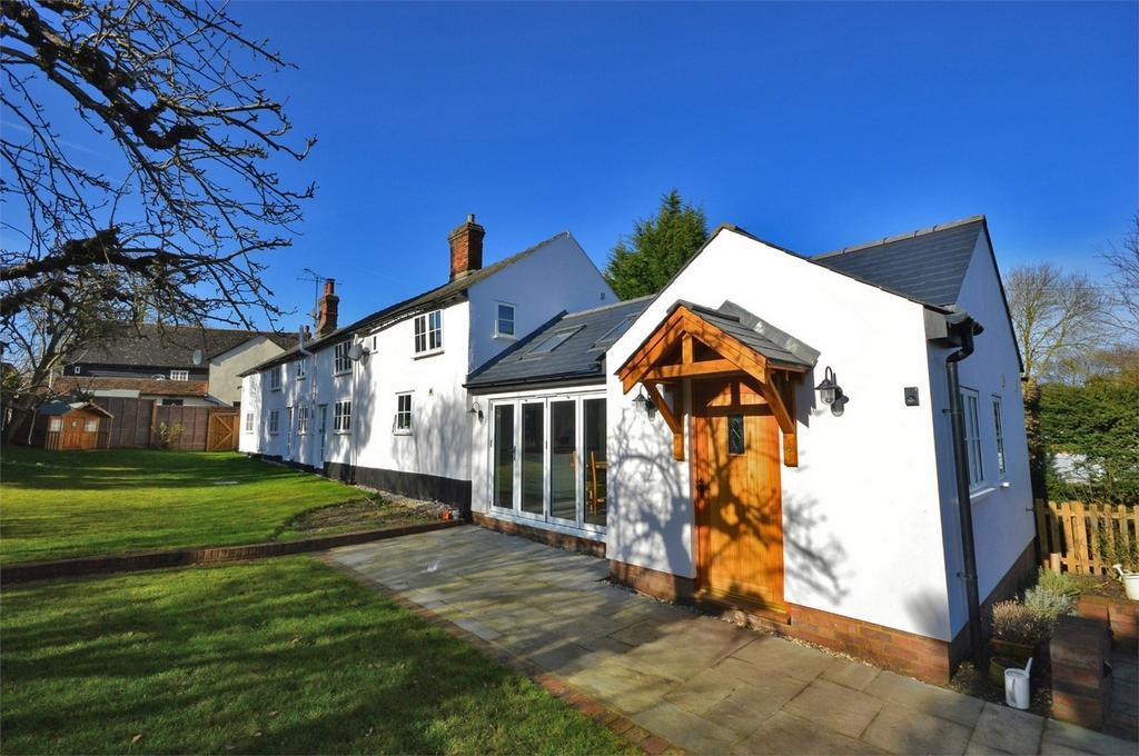 4 Bedrooms Cottage House for sale in 2 Hidden Cottage, Whitehorse Lane, Newport, Nr Saffron Walden