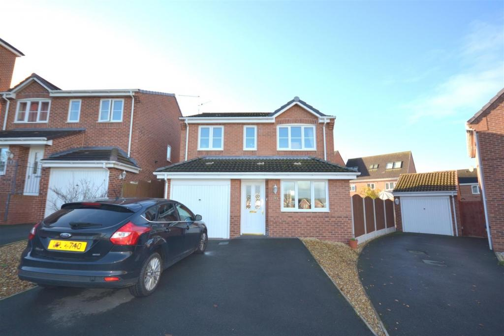 3 Bedrooms Detached House for sale in Galingale View, Newcastle
