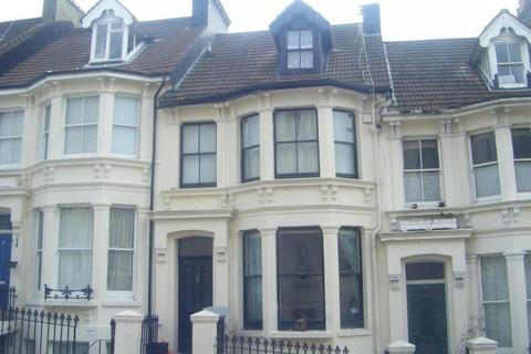 1 bedroom apartment to rent - Roundhill Crescent