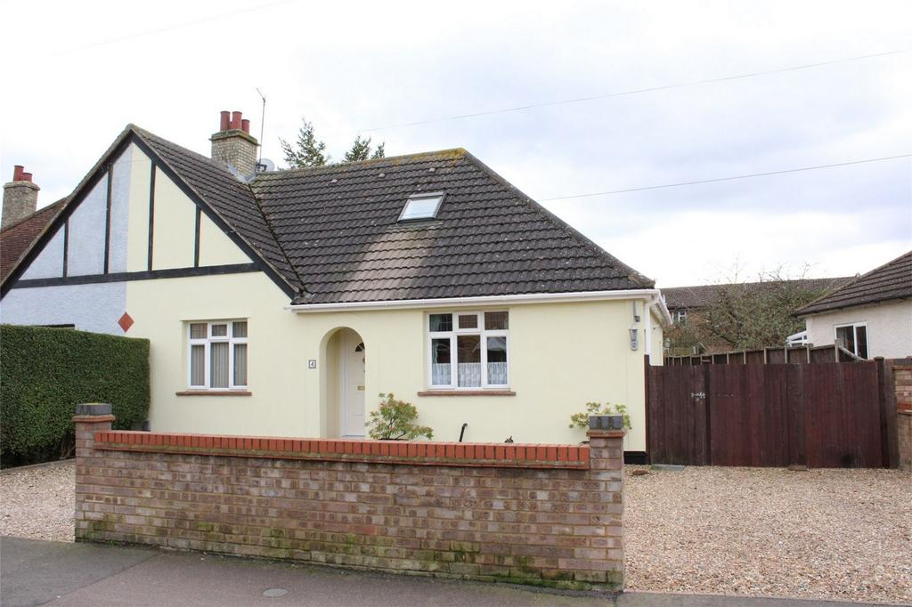 3 Bedrooms Chalet House for sale in Church Road, Stotfold, Hitchin, Hertfordshire