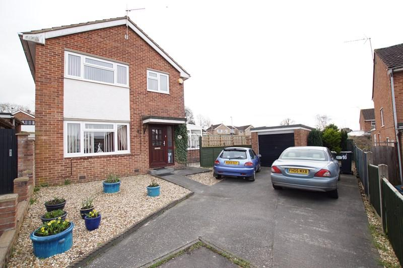 3 Bedrooms Detached House for sale in Marston Close, Blandford Forum