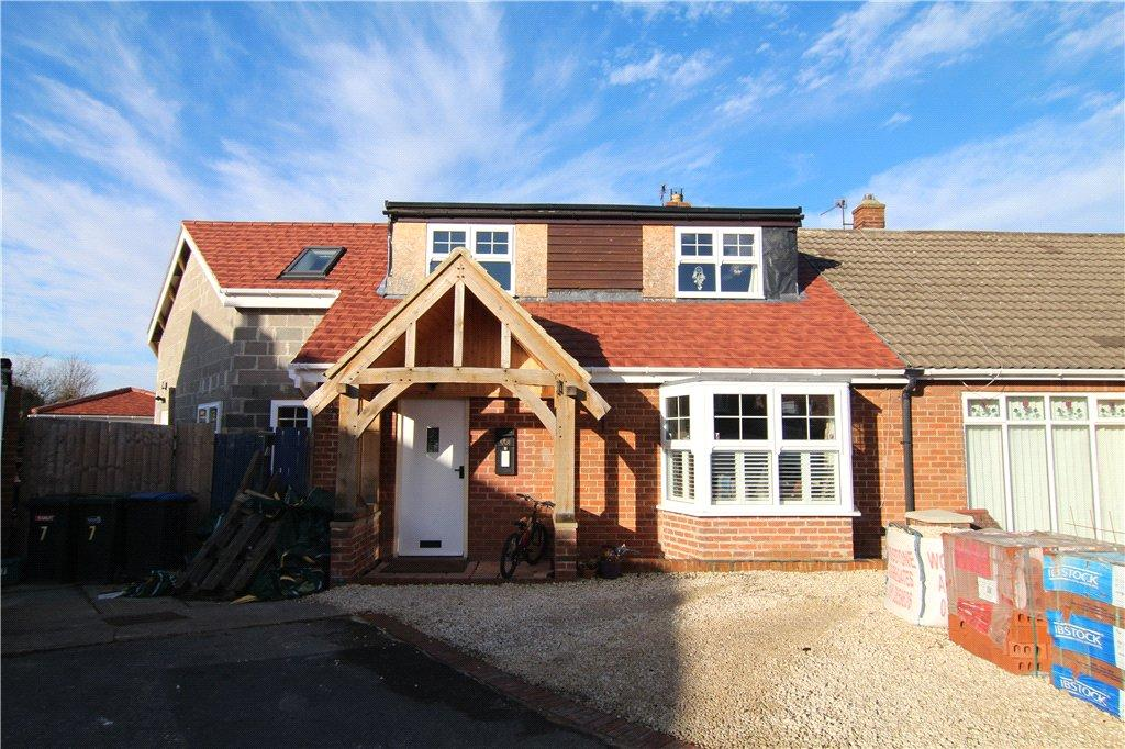 4 Bedrooms Semi Detached House for sale in Friars Row, Gilesgate, DH1