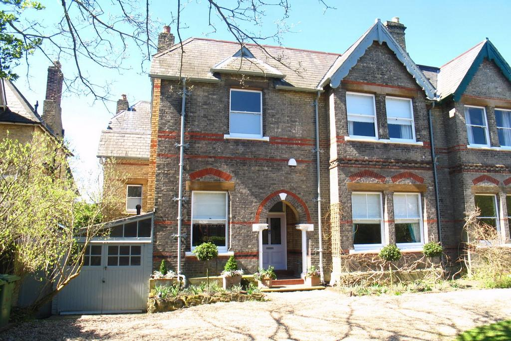 6 Bedrooms Semi Detached House for sale in Copers Cope Road, Beckenham