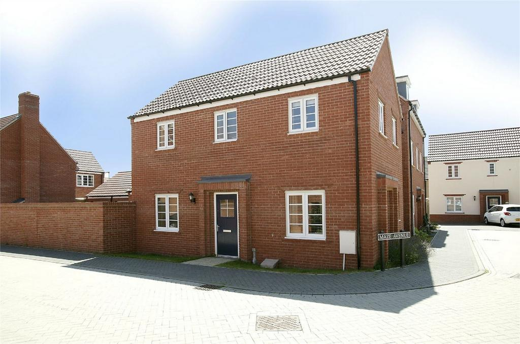 3 Bedrooms Semi Detached House for sale in Maze Avenue, Costessey, Norfolk