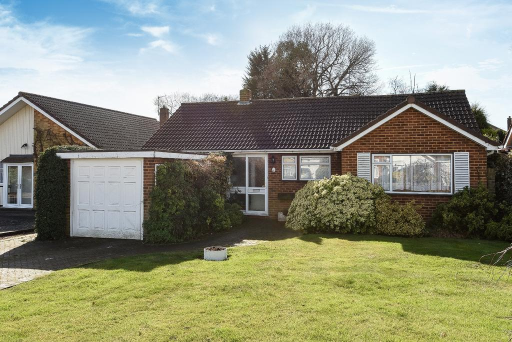 3 Bedrooms Bungalow for sale in Drayton Avenue Orpington BR6
