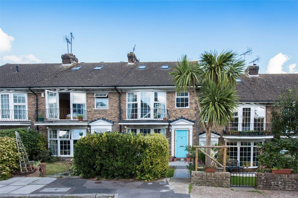 3 Bedrooms Terraced House for sale in Rufus Close, Lewes, East Sussex