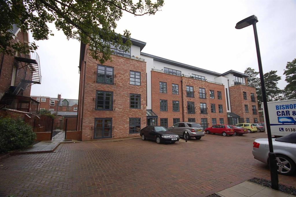 2 Bedrooms Flat for sale in Thornlea Court, Thornhill Park, Sunderland