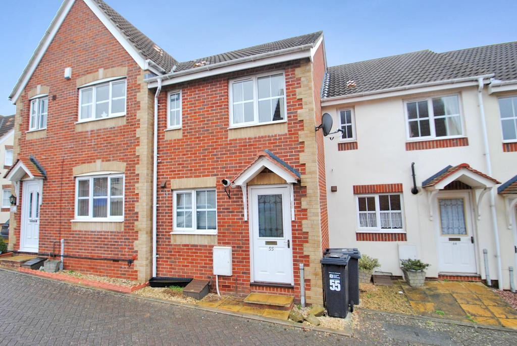 2 Bedrooms Terraced House for sale in Standfast Place, Taunton