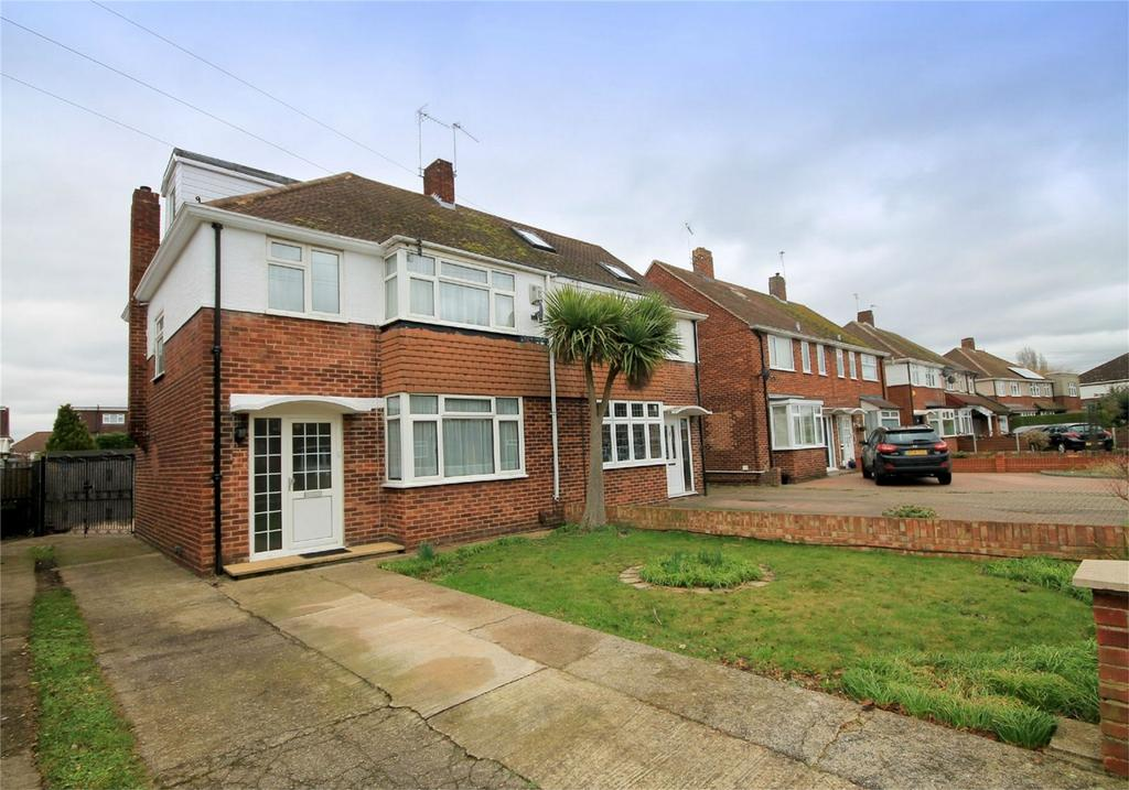 4 Bedrooms Semi Detached House for sale in Dane Road, Ashford, Surrey