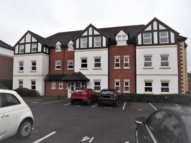 1 Bedroom Flat for sale in Tudor Way,Sutton Coldfield,