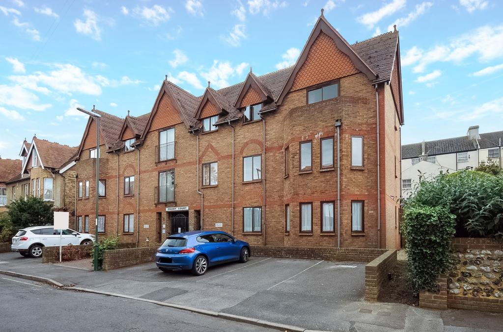 2 Bedrooms Flat for sale in Priory Court, Campbell Road, Bognor Regis, PO21