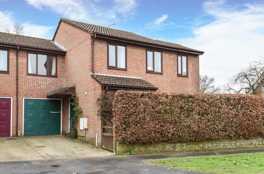 4 Bedrooms Semi Detached House for sale in Magdalen Row, Gloucester Close, Petersfield, GU32