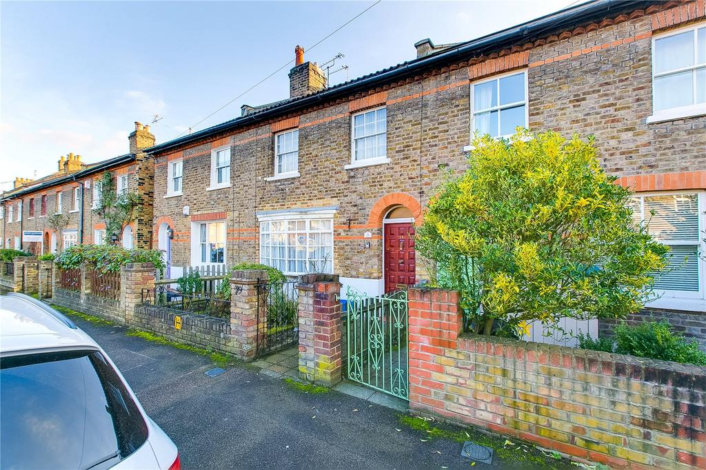 3 Bedrooms Terraced House for sale in Alexandra Road, Kew, Surrey