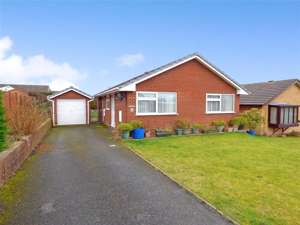 2 Bedrooms Detached Bungalow for sale in Hillcrest Rise, Llandrindod Wells, Powys