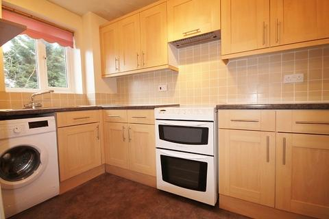 1 bedroom flat to rent - Redford Close, Feltham, TW13